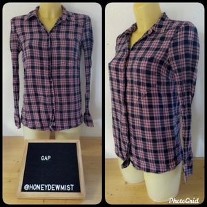 GAP Pink and Navy Fitted Boyfriend Button Down
